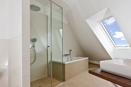 Wzorowa łazienka na poddaszu – aranżacje